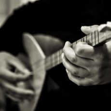 Dinlerken Sizi Hüzünlere Gark Ettirecek Türk Halk Müziği Eserleri