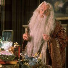JK Rowling'in, Harry Potter ve Felsefe Taşı'nda Serinin Finaline Yaptığı Gönderme