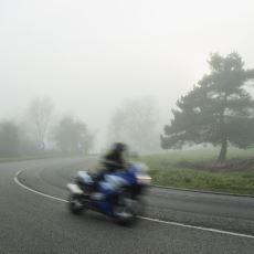 Uzman Bir Eğitmenden: Motosikletle Viraja Gereğinden Hızlı Girildiğinde Ne Yapılmalı?