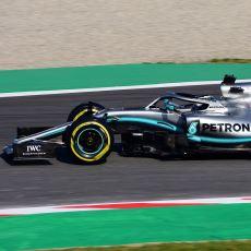 Bir Formula 1 Aracı Tünelin Tavanında Ters Gidebilir mi?