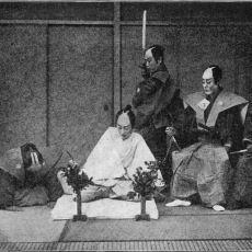 İntihar Ederken İç Organların Dışarıya Çıkartıldığı Bir Tuhaf Japon Adeti: Seppuku