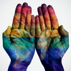 Homofobiyle Beraber Gelen Öfkenin Vardığı Çirkin Noktaya Dair Üzücü Bir Olay