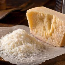 Marketlerdeki Parmesan Peynirlerinin Orijinal Olup Olmadığını Nasıl Anlarız?
