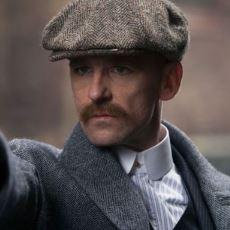 Peaky Blinders'ın Asi Karakteri Arthur Shelby, Ruhsal Sağlığını Çanakkale'de mi Yitirdi?