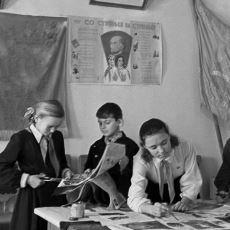 Sovyetler Birliği'nin 20. Yüzyılda Ücra Köylere Bile Okuma-Yazma Götüren Eğitim Sistemi