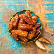 Diyet Yapanların Yaşadığı Vitamin Eksikliği İçin En Mükemmel Meyve: Hurmanın Faydaları