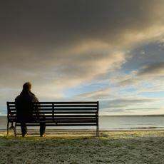 Sizin Sorun Dediklerinizi Tek Cümle İle Yerle Bir Edebilecek En Zor Zamanlarını Tek Başına Atlatan İnsan