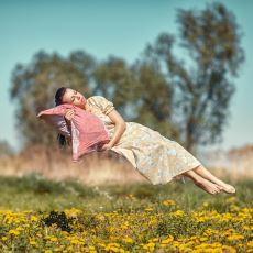 Uyku Esnasında Yaşanan Boşluğa Düşme Hissi Neden Kaynaklanıyor?