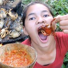 İlkel Şartlarda Hayatta Kalmak İçin Nasıl Yemek Yapılabileceğini Anlatan YouTube Kanalları