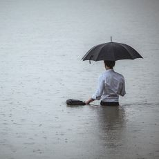 Farkındalığı Acı Veren Durum: Hayatın En Güzel Yıllarını Vasat Geçirmek