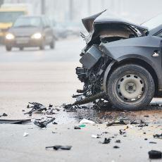 Araba Sürerken Yapılan Ölümle Sonuçlanabilecek Hatalar