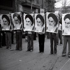 54 Yıllık Pehlevi Hanedanlığını Ortadan Kaldıran Tarihi Olay: İran Devrimi