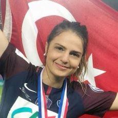 Kadın Milli Futbol Takımımızın 10 Numarası Melike Pekel'in İlham Verici Hayat Hikayesi