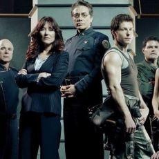 Battlestar Galactica'nın Yaş Aldıkça Daha Derinden Etkileyen Karanlık Teması