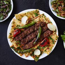"""Türk Mutfağı, Dünyada Hatırı Sayılır Bir Yeri Olmasına Rağmen Neden """"En İyi"""" Değil?"""