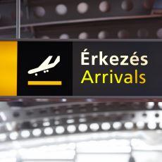 Macaristan'da Bir Havaalanının Ülke Tanıtımı Yapılan Ekranlarında Yazan Akıl Dolu Yazı