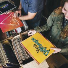 """Günümüzün Vasat Müzik Endüstrisi İçinde """"Albüm"""" Formatı Neden Oldukça Değerli?"""