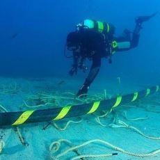 Dünyadaki İnternetin %99'unu Karşılayan Retro Mucize: Okyanus Altı İletişim Kabloları