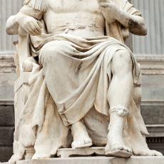 Roma Tarihinden Kalan Bir Moda: Parmak Arası Terlik