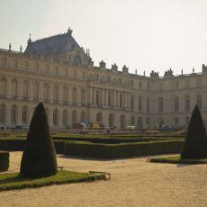 Yüzlerce Odası Olmasına Rağmen Tek Bir Tuvaleti Olmayan Gösterişli Yapı: Versailles Sarayı