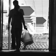 Bazı Marketlerin Girişlerinde Neden 2 Aşamalı Kapı Bulunur?