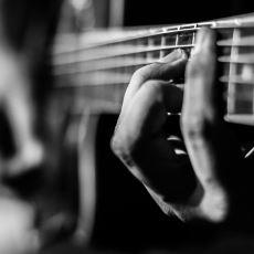 Gitar Perdelerinin Yeri Neye Göre Belirleniyor?