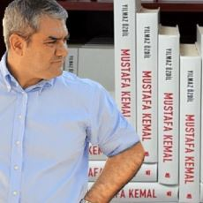 Yılmaz Özdil'in 2500 TL'lik Mustafa Kemal Kitabının Maliyeti Nedir?