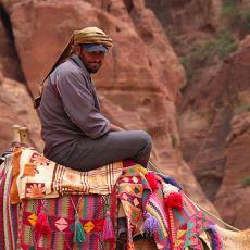Çölde Yaşayan ve İlginç Bir Kültüre Sahip Olan Arap Kabilesi: Bedeviler