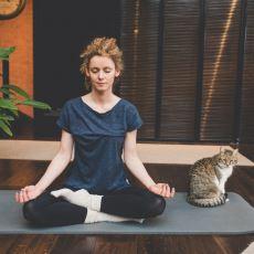 Yogaya Başlamayı Düşünenler İçin Yardımcı Olabilecek Bir Psikoloji Rehberi