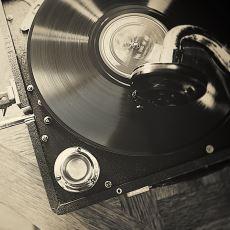 Fonograftan Modern Pikaba Kadarki Ses Çıkış Teknolojisinin Tarihsel Gelişimi