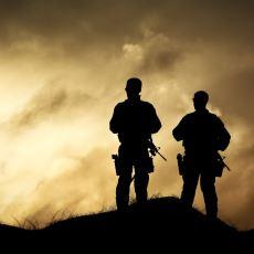 Askerde Nöbet Tutarken Yapılan Birbirinden Anlamsız Hareketler