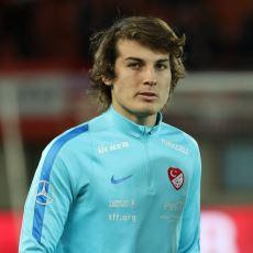 Türk Futbolunun Yeni Gözdelerinden Çağlar Söyüncü'yü İyi Bir Stoper Yapan Şeyler Nedir?