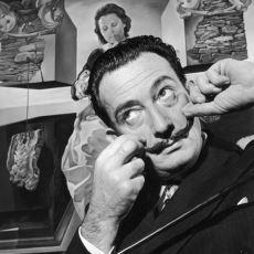 """Ölümsüz Ressam Salvador Dali'nin Tam Manasıyla Bir """"Manyaklıklar Kronolojisi"""" Olan Hayatı"""