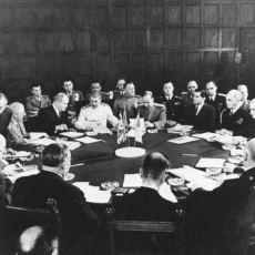 II. Dünya Savaşı Sonrası Dünyayı Yeniden Şekillendirme Amaçlı Yapılmış Potsdam Konferansı