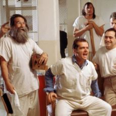 En İyi Sistem Eleştirisi Filmlerinden One Flew Over the Cuckoo's Nest'in Hayat Sorgulatan Bir Analizi
