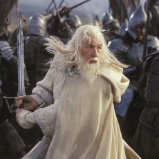 LOTR Serisi Nasıl Oluyor da Görsel Açıdan Kendisinden 12 Yıl Sonra Gelen Hobbit'ten Daha Kaliteli Görünüyor?