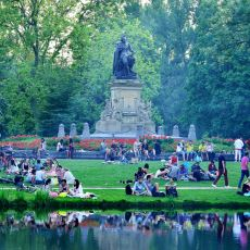 Amsterdam'ın Huzur Köşesi Olan Vondelpark'ın Tarihçesi