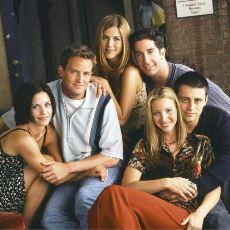 Özlenilen Zamanların Özlenilen Dizisi Friends'in Her Sezon Değişen Intro'ları