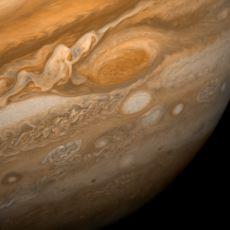 Jüpiter'de 400 Yıldır Devam Eden 4 Dünya Büyüklüğündeki Fırtına: Büyük Kırmızı Leke