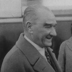 Mustafa Kemal Atatürk'ün İngilizce Soruyu Fransızca Cevaplaması