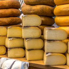 Satın Alınan Paketlenmiş Peynirin Pabucunu Dama Atabilecek Tat İddiasında: Evde Peynir Yapımı