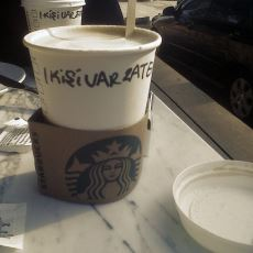 Bir Starbucks Çalışanının Bardağa İsim Yazdırmak İstemeyen Müşteriye Verdiği Ayar