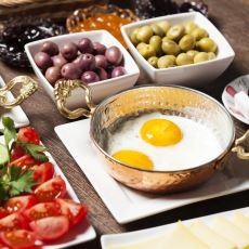 Ekmeği Hayatından Çıkarmak İsteyenler İçin Alternatif Ekmeksiz Kahvaltı Seçenekleri
