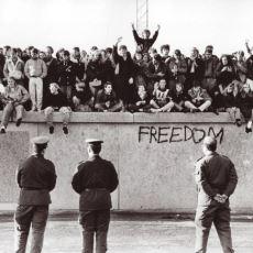 """""""Almanya'yı İkiye Ayırıyordu"""" Diye Bilinen Berlin Duvarı Aslında Neden Yapıldı?"""