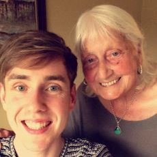 Yaptığı Her Aramanın Sonuna Teşekkürler Ekleyen Şirin Büyükanneye Google'dan Jest