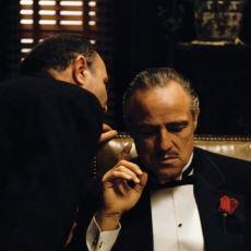 Vito Corleone'nin Temel Stratejisini Açıklayan, İsabetli Bir Alt Metin Analizi