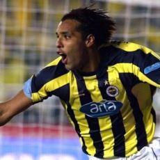 Pierre van Hooijdonk'un İki Yıllık Fenerbahçe Kariyerinin Tertemiz Bir Özeti