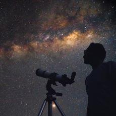 Yıldızlar Neden Bize Yanıp Sönüyormuş Gibi Gelir?