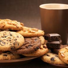 Dışarıda Bayılarak Yediğimiz İçi Yumuşak Dışı Kıtır Kıtır Cookie Kurabiyelerinin Evde Yapım Tarifi