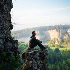 İçinde Bulunulan Ana, Yargısız Olarak Dikkat Kesilmeden Doğan Farkındalık Hali: Mindfulness